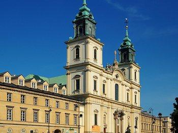 Bazylika Świętego Krzyża w Warszawie.jpg