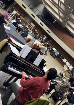 RdP 11.26 orchestra rehearsal 11.jpg