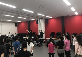 VMC tak vocal-coach 1.JPG