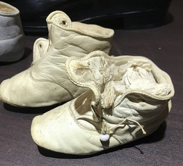 baby shoes 1.JPG