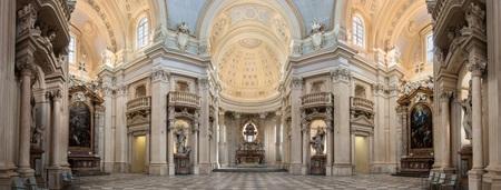 cappella di sant'uberto Venaria Reale 2.jpg