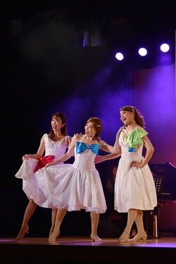gals trio 15.JPG