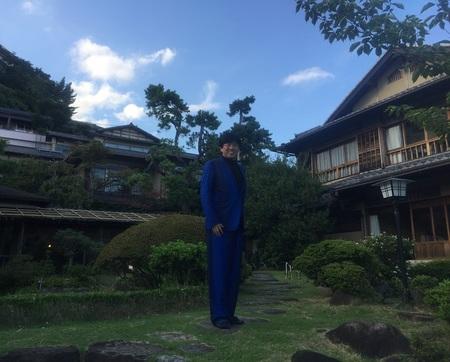 tak taikanso main building garden 1.JPG