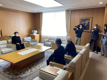 taka tokaiTV 16.jpg
