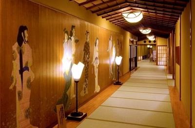 tatami-matted corridor 2.jpg